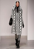Women's fashion: Monochrome and gold for Fall-Winter 2014/2015 by KTZ