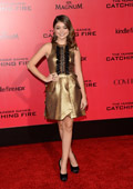 Sarah Hyland opts for Carrera y Carrera jewelry