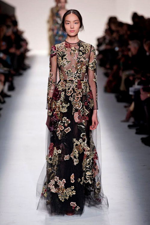 Colors, dots and lace in Valentino Fall-Winter 2014/2015 collection
