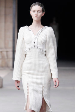 Alexander McQueen Fall/Winter 2011 ready-to-wear collection