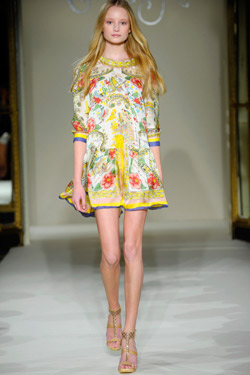 Collette Dinnigan shows PRINTEMPS ETE 2011 collection
