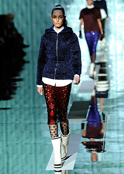 Marc Jacobs brings the spirit of 70s at New York Fashion Week Fall 2011