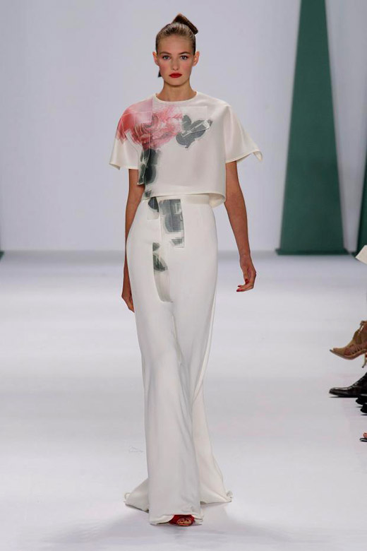 Roses and elegance for Spring-Summer 2015 by Carolina Herrera