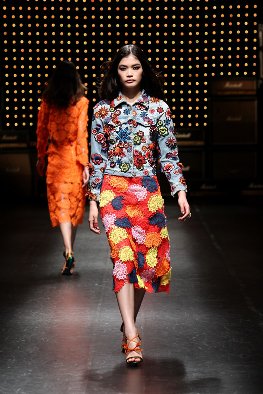 Flowers and bright colors for Spring-Summer 2015 by House of Holland