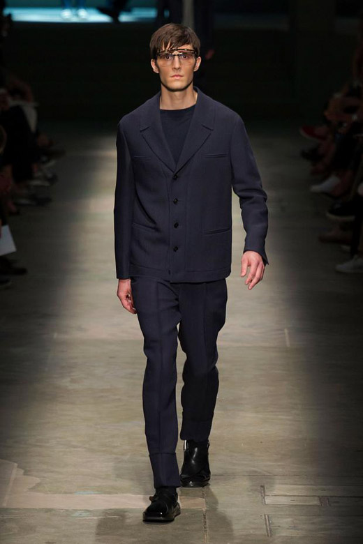 Spring-Summer 2015 Fashion trends: The tie-free season